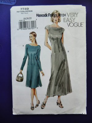 Easy Vogue Pattern # 7749 UNCUT Misses Dress Size 18 20 22