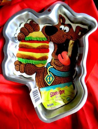 Wilton SCOOBY DOO Hamburger / Sandwich Cake Pan # 2105-3227