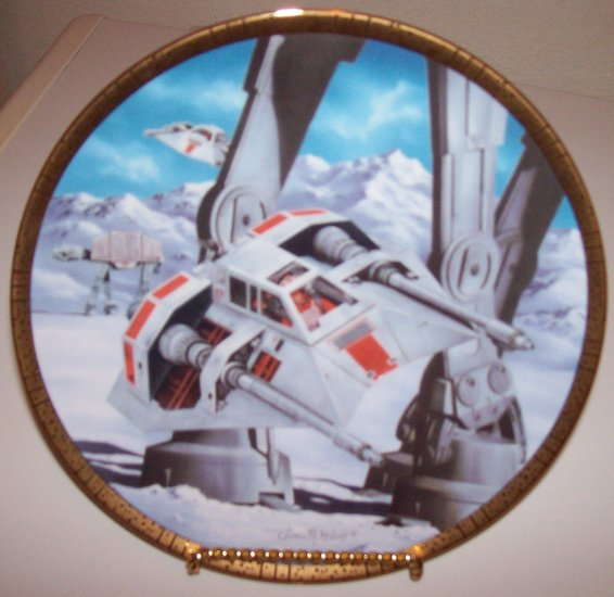 """Star Wars Space Vehicles """"Snowspeeders"""" 1995 Hamilton Collection Plate"""