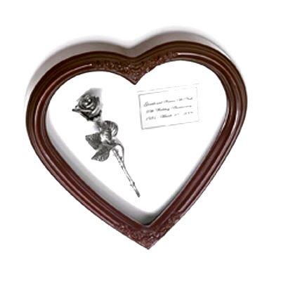 Kissing Rose in Rememberance Heart