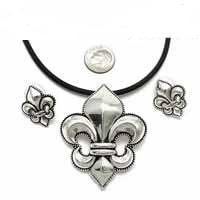 Fleur de lis pendant set on black rubber