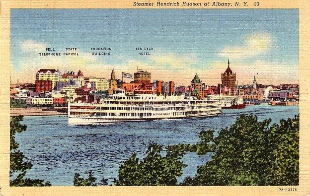 Steamer Hendrick Hudson at Albany New York NY, 1937 Curt Teich Linen Postcard - 3603