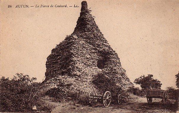 La Pierre de Couhard Autun France Roman Pyramid Vintage Postcard - 3839