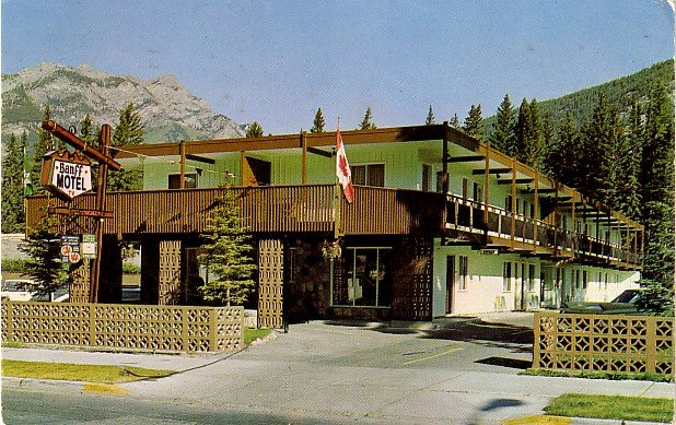 The Banff Motel in Alberta Canada, 1971 Chrome Postcard - 0029