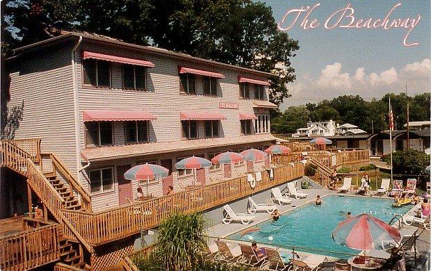 Beachway Resort in Saugatuck Michigan MI Chrome Postcard - 0031