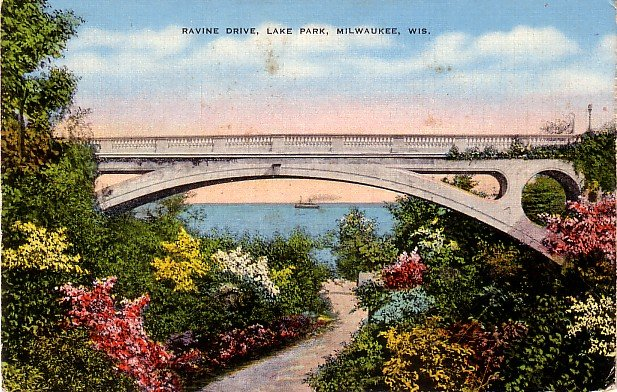 Ravine Drive in Lake Park, Milwaukee Wisconsin WI Linen Postcard - 0058