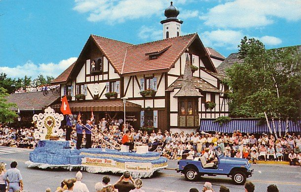 Bavarian Festival Float in Frankenmuth Michigan MI 1980 Chrome Postcard - 0508