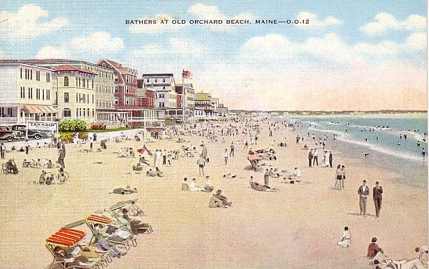 Bathers at Old Orchard Beach, Maine ME 1945 Linen Postcard - 0731