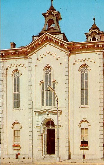 City Hall in Eaton, Ohio OH Chrome Postcard - 2249
