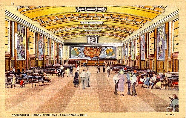 Concourse of Union Terminal in Cincinnati Ohio OH 1933 Curt Teich Postcard - 2318