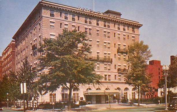Carlyle Hotel in Washington DC, Chrome Postcard - 2604
