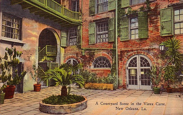Courtyard Scene in the Vieux Carre, New Orleans Louisiana LA, 1937 Curt Teich Linen Postcard - 2794