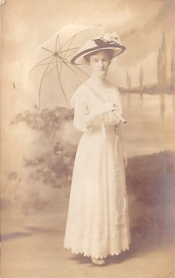 Portrait of Pretty Lady Holding Parasol, Real Photo Post Card RPPC - 2953