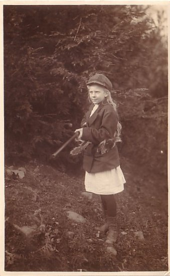 Harriet Loomis with Hunting Rifle, Real Photo Post Card RPPC - 2959