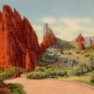 View of the Garden of the gods in Colorado CO, 1934 Curt Teich Linen Postcard - 3080