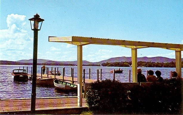 Docks and Town Park at Wolfeboro New Hampshire NH, Chrome Postcard - 3316