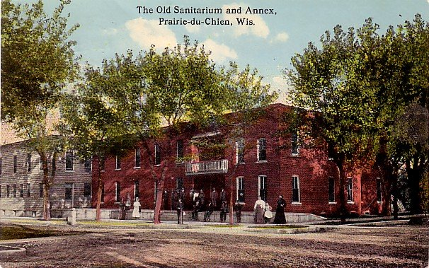 The Old Sanitarium in Prairie-du-Chien Wisconsin WI, 1915 Curt Teich Vintage Postcard - 3446