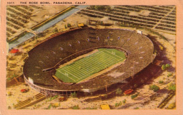 The Rose Bowl Stadium in Pasadena California CA ,1946 Linen Postcard - 3463