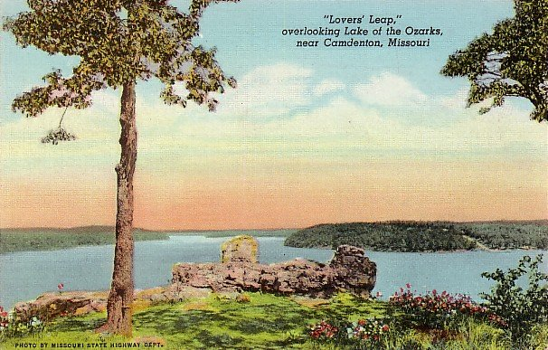 Lovers' Leap near Camdenton Missouri MO, 1945 Curt Teich Linen Postcard - 3667