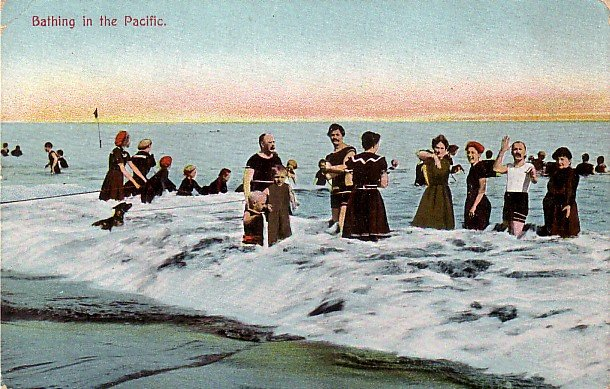 Bathing in the Pacific, Vintage Postcard - 3797