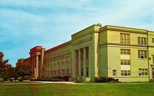 English High School at Lynn Massachusetts MA, Chrome Postcard - BTS 112