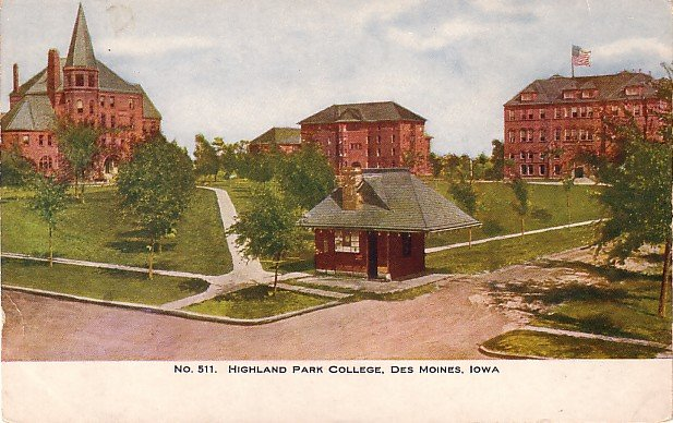 Highland Park College in Des Moines Iowa IA Vintage Postcard - BTS 170