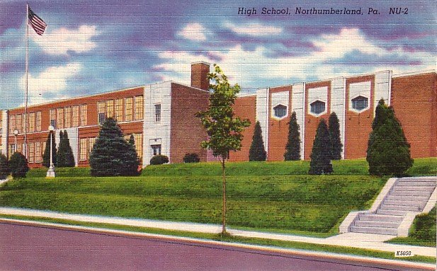 High School in Northumberland Pennsylvania PA, Linen Postcard - BTS 211