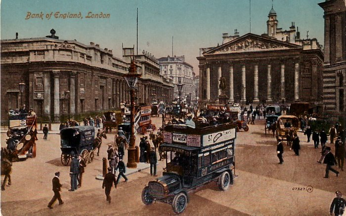 Bank of England in London with Heinz Advertising on Double Decker Bus, Vintage Postcard - 4149