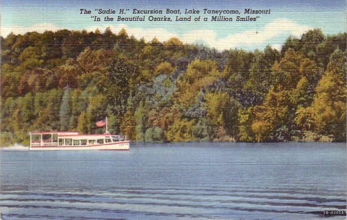 Sadie H Excursion Boat on Lake Tanneycomo at Branson Missouri MO, 1947 Curt Teich Postcard - 4318