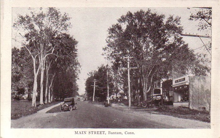 Main Street in Bantam Connecticut CT Vintage Postcard - 4610