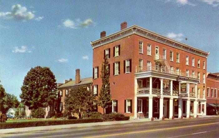 The Golden Lamb Inn in Lebanon Ohio OH Chrome Postcard - 4832