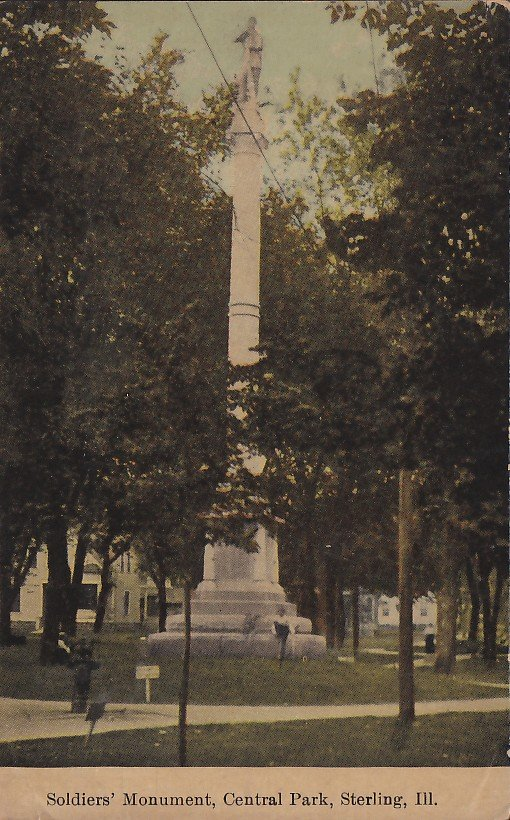 Soldiers Monument Central Park in Sterling Illinois IL 1914 Hand Colored Vintage Postcard - 5381