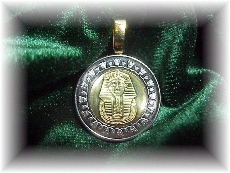 P'S  COIN JEWELRY~KING TUT  PENDANT~UNCIRCULATED