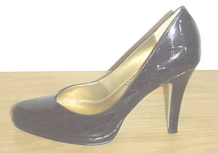TAHARI Lolly PUMPS Croc Leather Heels Shoes 9.5 M (39.5) BROWN Leather