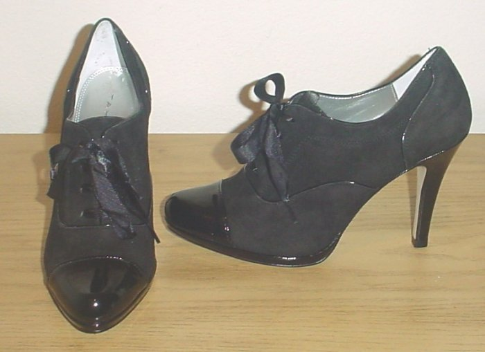 TAHARI OXFORD PUMPS Louise Shoes Lace-Up Heels 7 M (37) BLACK SUEDE