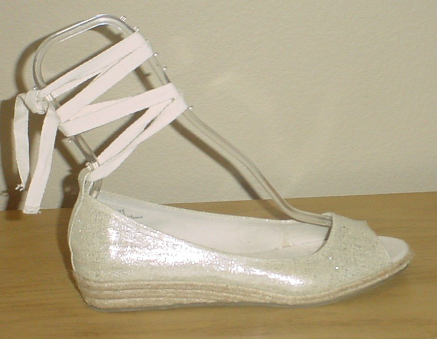 NEW Old Navy ANKLE TIE ESPADRILLES Wedge Sandals 8M GOLD Shoes