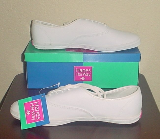 NIB Ladies LEATHER SNEAKERS Hanes Her Way Athletic Flats SIZE 11W WHITE Shoes