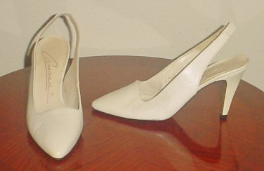 Ladies SLINGBACK PUMPS Caressa Heels SIZE 7 IVORY OFF WHITE LEATHER Shoes