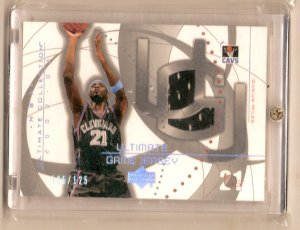DARIUS MILES 02-03 ULTIMATE COLLECTION SILVER JERSEY CARD SERIAL #'D 125/125
