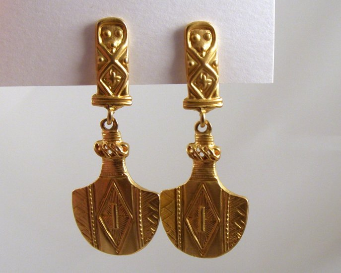 VINTAGE EARRINGS Egyptian Revival Style Rich Goldtone Dangle Clip Back