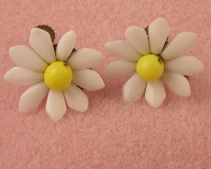 VINTAGE EARRINGS West German White Milk Glass Flowers Yellow
