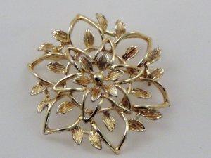 VINTAGE PIN BROOCH Peta-Lure Sarah Coventry Golden Leaves Leaf Flower