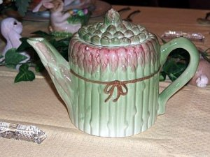 Asparagus teapot