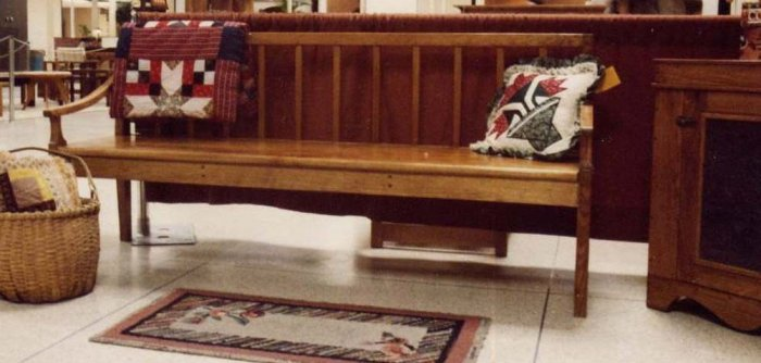 Amish Tradition Bench in Butternut