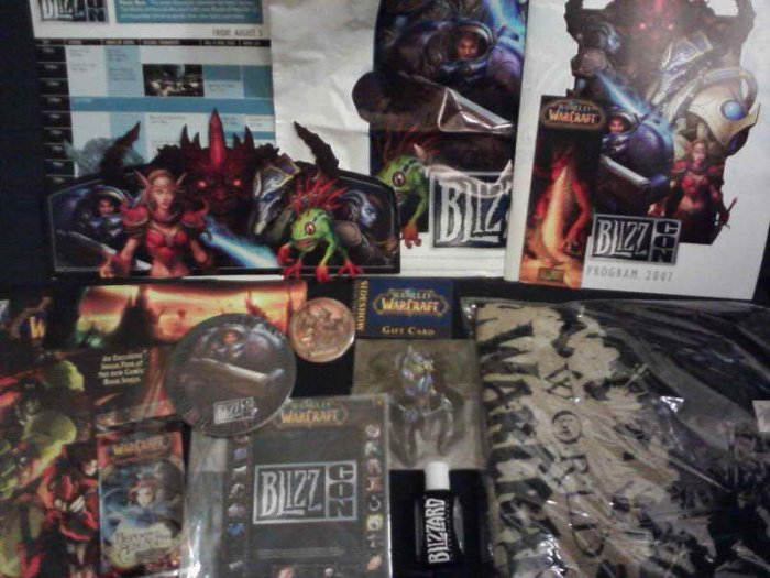 BlizzCon 2007 WoW Goody Bag (murloc, starcraft II theme)