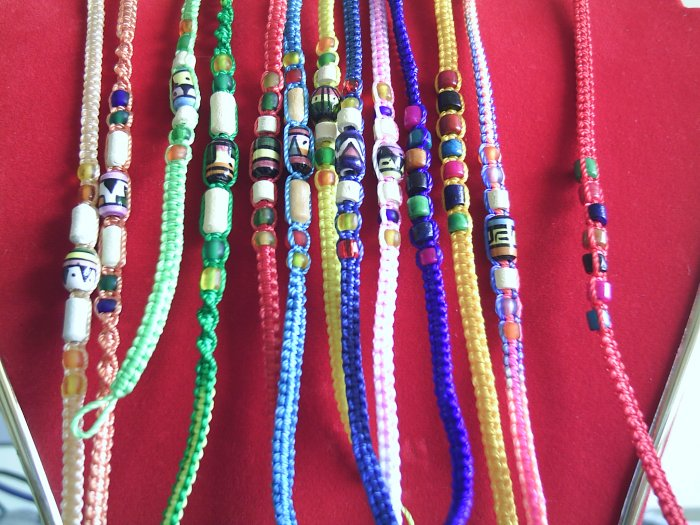 Lot of 1000 Friendship Bracelets