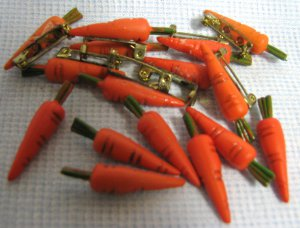 Arts & Crafts Mini CARROTS Pins
