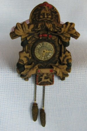 1984 Hallmark Ornament - Old-World Cuckoo Clock
