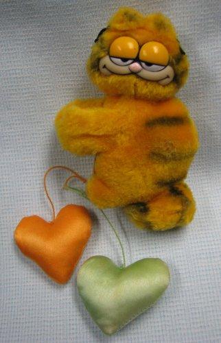 Garfield Dangling Hearts Plush Clip-On