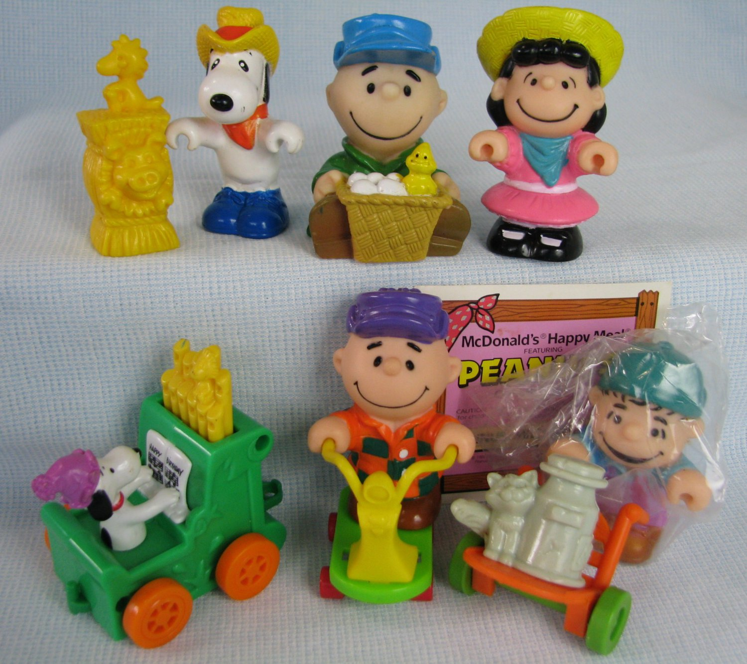 67befcd6f2 McDonalds Happy Meal Toys PEANUTS Figures Snoopy Lucy
